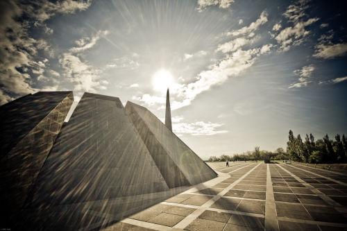 Tsitsernakaberd: le mémorial dédié aux victimes du génocide arménien perpétré par le gouvernement «Jeunes-Turcs» entre 1915 et 1916, est situé sur une des collines de la capitale arménienne, Erevan.