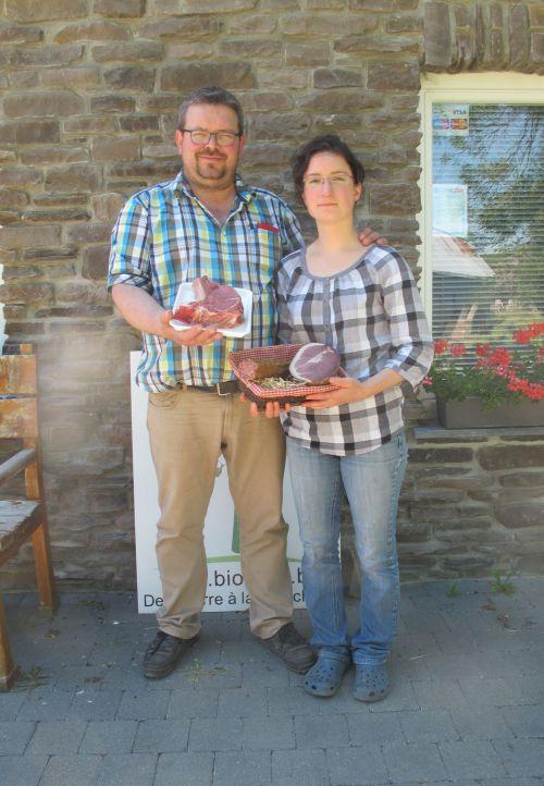 Patrick Feller et Vanessa Bruyninckx, bouchers à la ferme. © Marie-Eve Merckx / Agence Alter