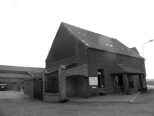 La ferme du Moulin, à Grosage et son petit magasin de produits frais, ouvert tous les samedis. © Marinette Mormont/Agence Alter