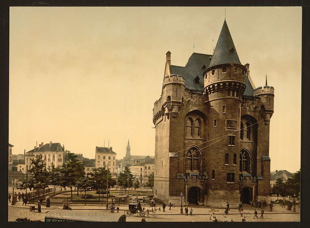 La Porte de Hal, vestige médiéval de l'enceinte de Bruxelles, fut en son temps une prison. Depuis, les politiques d'incarcération ont changé. Un peu.