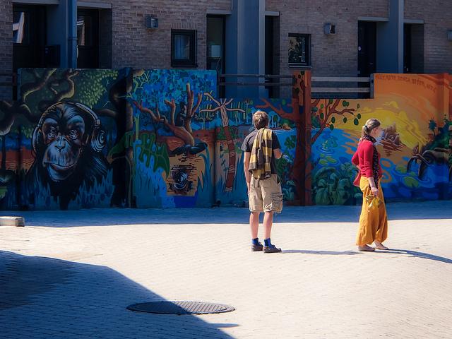 Du 30 juillet au 05 août 2012, le festival international Kosmopolite Art Tour (K.A.T.) a pris ses quartiers à Louvain-La-Neuve pour célébrer la culture de la rue et plus particulièrement l'art du graffiti.