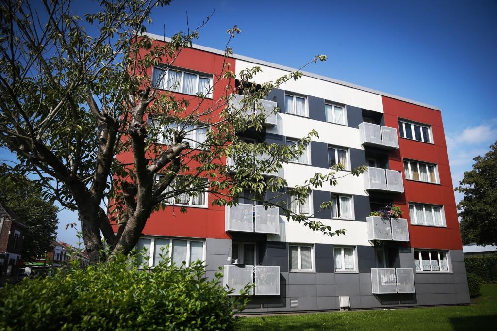 À partir de 2017, les logements moyens, comme ces appartements mis à la location par la société de logement carolo La Sambrienne, s'appelleront aussi logements publics. ©La Sambrienne
